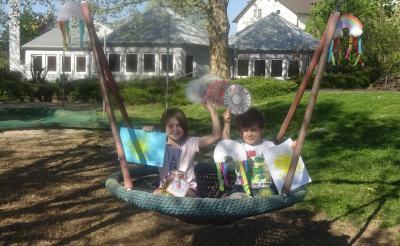 Kinder des Kindergartens Neibsheim präsentieren ihre kleinen Kunstwerke