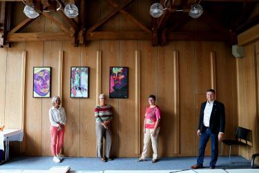 Auf dem Foto sind die drei Jubilare und Oberbürgermeister Martin Wolff zu sehen.