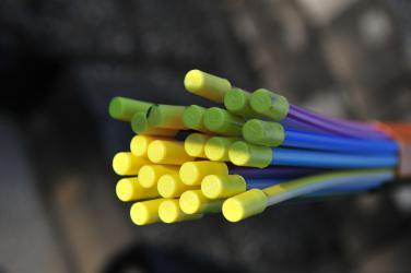 Symbolbild von Glasfaserkabeln