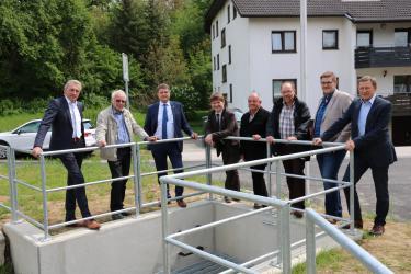 Bauamtsleiter Karl Velte, der Gölshausener Ortsvorsteher Manfred Hartmann, Oberbürgermeister Martin Wolff, Bürgermeister Michael