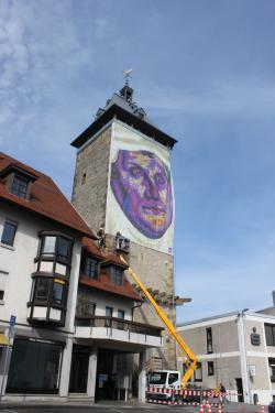 Der Peiferturm mit Riesenbild von Melanchthon